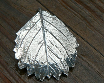 Fine Silver Pendant - Strawberry Fields Leaf