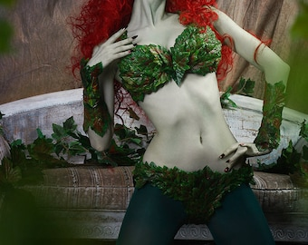 DC Comics - Poison Ivy Cosplay - Bikini variant - Halloween Costumes and props
