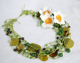 Green Statement Multi Strand Flower Boho Necklace with Daffodils, Fashion Gemstone Holiday Modern Beaded Necklace, Anniversary Gift for Her