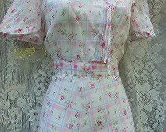 40s  floral dress  iconic 1940s  vintage summer frock cotton pink roses small  from vintage opulence on Etsy