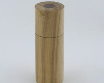 Spices and pepper mill in Maple , Cylinder style with rod mecanisme / 6  in item number: 949