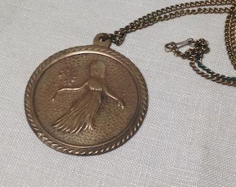 En laiton Vintage médaillon pendentif collier fille avec branche