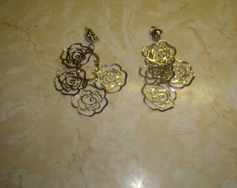 vintage clip on earrings silvertone rose flower dangles