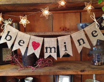 Love Bunting, Valentines Day Bunting, Valentines Day Banner, Valentines Day Garland, Valentines Pennant, Be Mine Bunting, Valentine