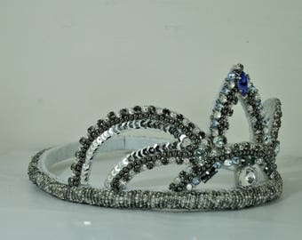 Embroidered Crown