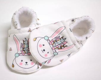 Baby girl shoes, bunny baby shoes, crib shoes, baby booties, soft sole, baby moccs, kids shoes, girl shoes baby, slippers, newborn shoes
