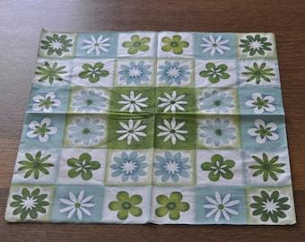 Flower napkin rings