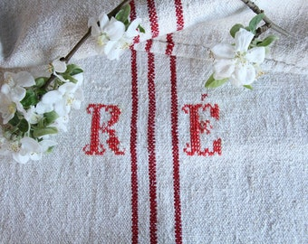 FP 482:antique grain sack, CHERRY Red, 43.31 long,holiday feeling pillow cushion, decor, french lin tablerunner, upholstery, old linen
