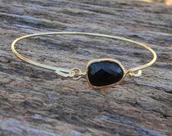 Gold Bangle Bracelet / Black Bracelet / Bridesmaid Gift / Bridesmaid Jewelry / Bridesmaid Bracelet / Gift For Her / Black Bangle Bracelet