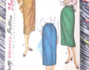 Spring Sale ON SALE  1950s Simplicity 1817 Skirt Pattern  Waist 26 inches