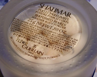 Guerlain Shalimar Perfumed Pearls Body Powder .88oz / 25 grams. Perles Parfumees