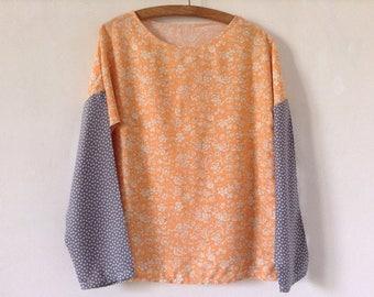 Tee shirt blouse manches longues viscose mandarine à fleurs et manches grises à pois