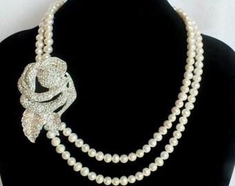 Pavithra - Vintage Style Rhinestone and Freshwater Necklace