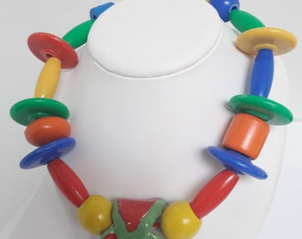 Si sa som ceramic necklace