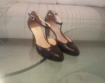 Andre vintage shiny black leather shoes, size 38