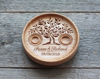 Wedding ring bearer Ring pillow Alternative Wedding Ring Box Wedding ring dish Wood Wedding Plaque Wedding Ring Plate 5th Anniversary gift