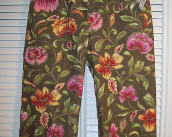 Capris by Talbot's Floral Bright, Tags Still Attached PERFECT Size 6