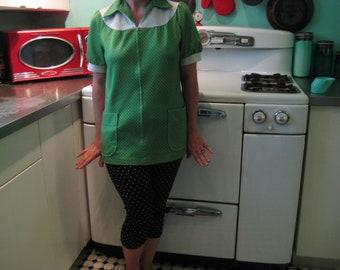 1960s Vintage Green Polka Dot Top Oversized Collar