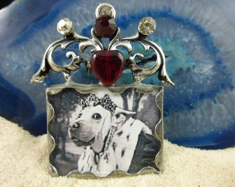 Custom soldered pet portrait brooch/pin