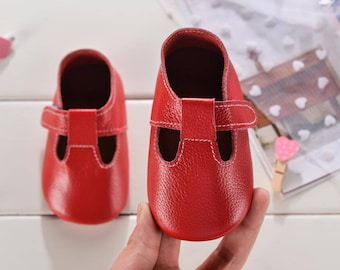 red baby shoes,baby shoes for girls,moccasins baby girl,soft sole baby shoes,toddler shoes for girls,red toddler shoes,baby moccasins