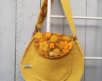 Happy sunshine vintage original shoulderbag with beautiful design.