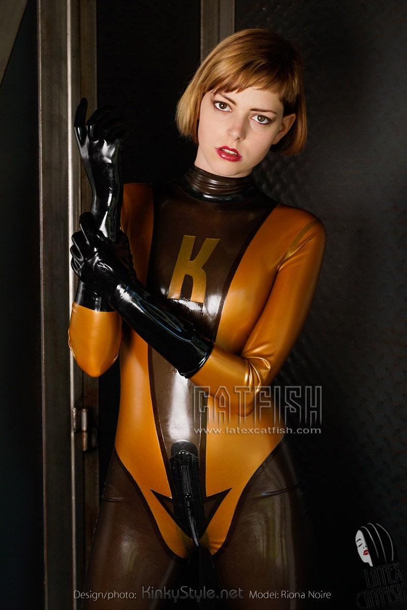 sexy woman latex catsuit / k is kinky