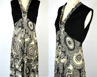 1970s Black and White Paisley Sleeveless Maxi Dress, Floor Length