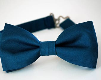 Sea blue men's bow tie, prussian bow tie, wedding bow tie, blue tie, groom bow tie, groomsmen bow tie, ringbearer bow tie, ring boy bow tie