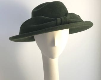 Hunter Green Wide Brim Hat with Large Bow