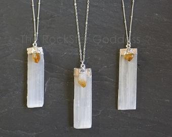 Selenite Necklace / Silver Selenite Pendant / Silver Selenite Necklace / Raw Selenite Necklace / Selenite Jewelry