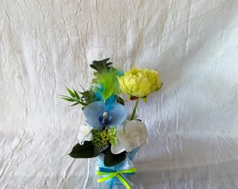 flower arrangement for wedding flowers white, lime green and turquoise Orchid