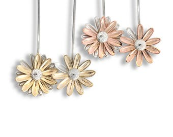 Transplant Kinetic Daisy Earrings