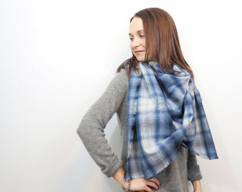 Blue Blanket Scarf. Plaid Cotton Wrap. Flannel Fringe Shawl. Oversized Blue and White Plaid Cotton Scarf. Plaid Wrap Gift for Girlfriend