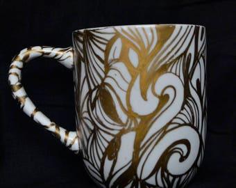 Gold Line Design Mug