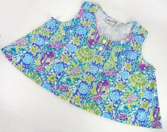Girls tent top in fish & shell print in blues, greens, mauves with seashell buttons by EnChante Kids // girls vintage clothing // size M