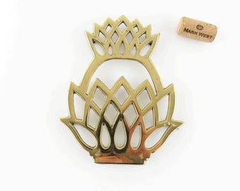 Vintage 1970's Solid Brass Pineapple Trivet by Virginia Metalcrafters, Footed Hot Plate Stand Brass Tableware Traditional Decor Wall Plaque