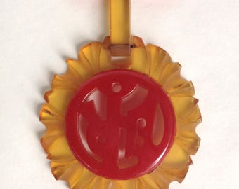 Bakelite Pendant Brooch Red and Apple Juice