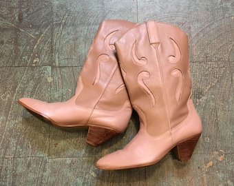 """Vintage 70s """"Westies"""" western mauve leather boots with stacked wood heel // size 8.5 8 1/2 N narrow // spring Valentine's Day country boho"""