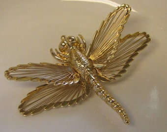 Monet Dragonfly Brooch Gold Toned Lapel Pin Vintage Jewelry and Accessories