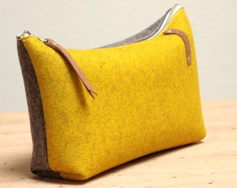 PLASTIC-free cosmetic bag XL wool felt 100% wool, in Germany made from
