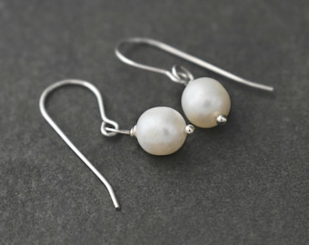 Pearls Earrings, June Birthstone, Small Pearl Earrings, Dainty Earrings, Peacock Pearl Earrings, White Pearl Earrings, Gift for Her