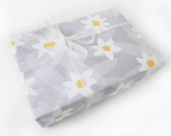 Floral Wrapping Paper Roll, Daisy Gift Wrap Bridal Shower Floral Gift Wrap, Matte Gift Wrap Roll Grey White, New Baby Shower Wrapping Paper