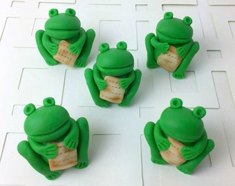 Passover Seder Frogs Holding Matzahs!  Adorable Pesach Treats!  Marzipan Frogs and Marzipan Matzoh!