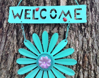 Mint Daisy Welcome Sign with Ladybugs / FREE SHIPPING / Metal Yard Art / Front Door Garden Patio Fence Decor / Gift for Mom
