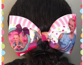 """Handmade 5"""" jo jo style bow on a clip"""