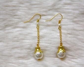 Gold Chain Pearl Drop Beaded Earrings