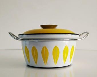 Catherineholm Yellow Lotus Dutch Oven / Enamelware / Mid Century Kitchen Decor