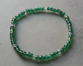 Green beaded bracelet, stretchy