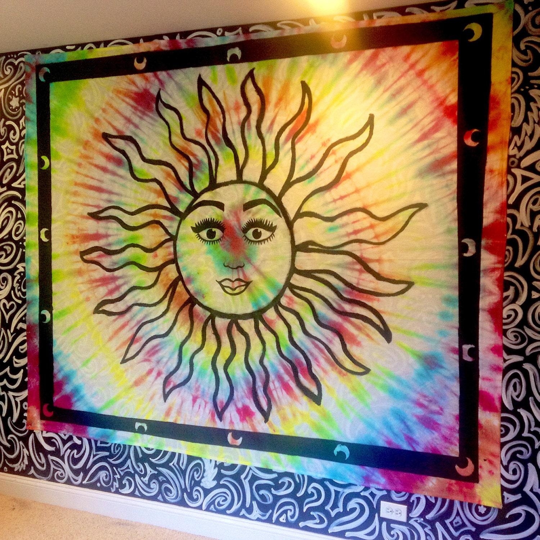 Handmade Radiating Sun Tie-Dye Tapestry