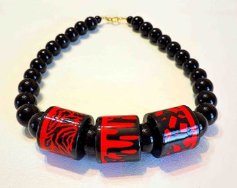 Vintage Fashion Necklace Black Beads With Black and Red Focal Beads